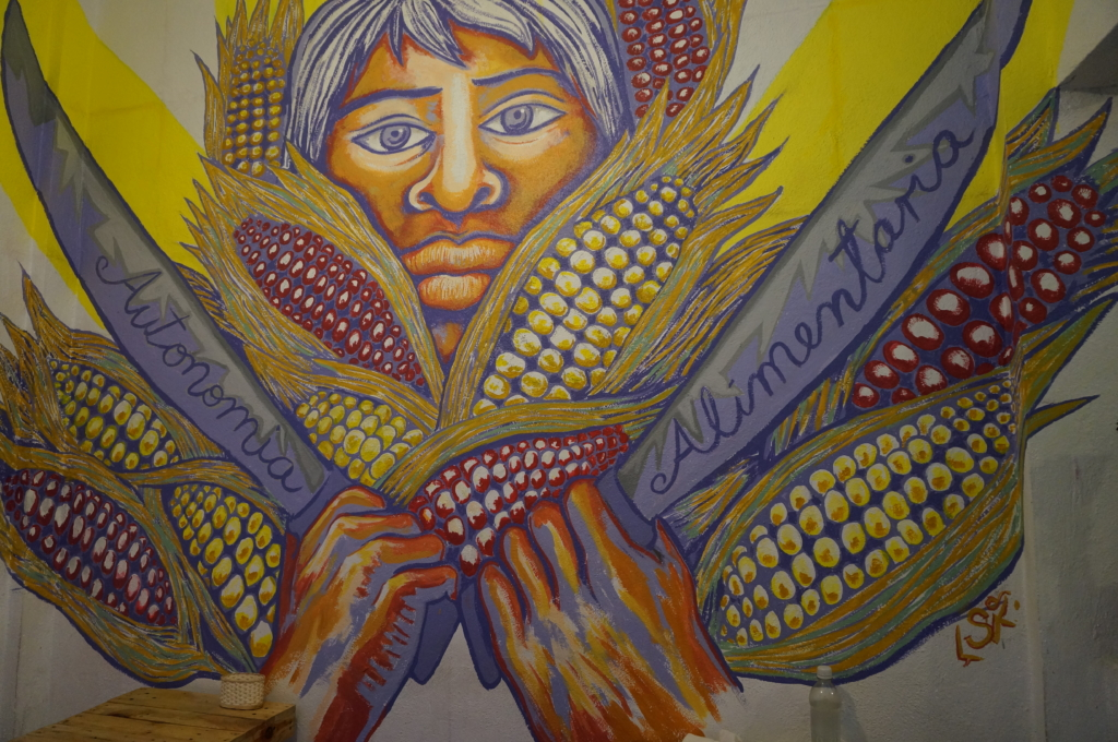 A wall mural at Cocoveg. (Photo by Xin Cheng)